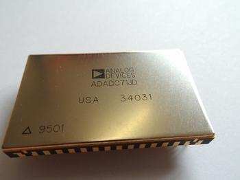 ADADC71JD ADC single SAR 22,2KSpS 16 bit
