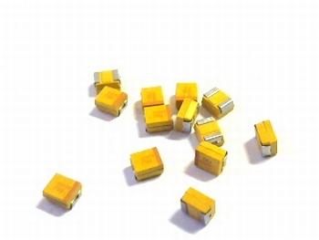SMD Tantaal condensator 10uf 6,3V  TAJB106M006R-AVX