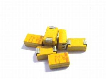 SMD Tantal capacitor 33uf 10V