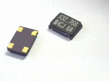 Quartz crystal oscillator SMD 32,768 mhz