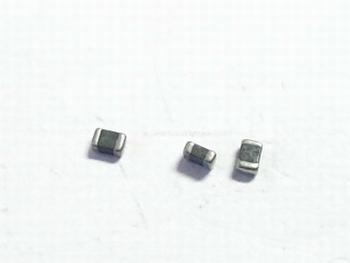 Varistor SMD 14V DC 805