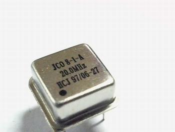 Quartz crystal oscillator 20 mhz square