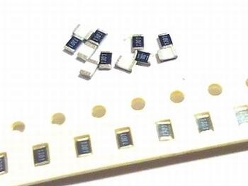 SMD resistor 0805 - 3M9 Ohms