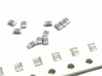 SMD keramische condensatoren 0805 - 1,2nF 10 stuks!