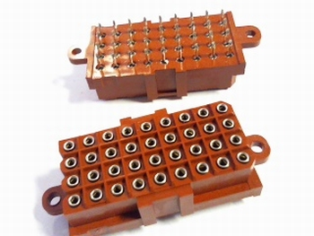 A30088-ND Connector header SKT 36 pins-207534-3