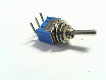 Schakelaar miniatuur haaks liggend SPDT on/on