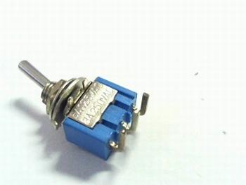 Schakelaar miniatuur haaks liggend SPDT on/off/on