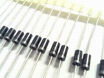 SR230 Schottky diode 30V 1A