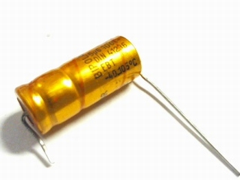 Electrolytische bipolaire condensator ROE 5,6 uF 100 Volt