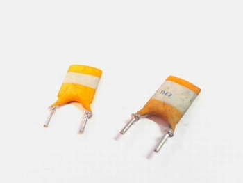 10 x ceramic capacitor 470pf 63 volts