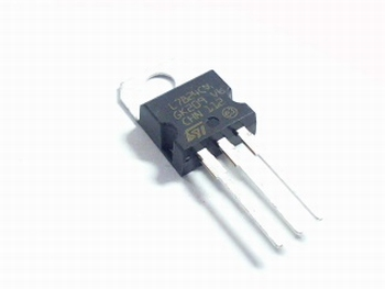 Voltage regulator 7824
