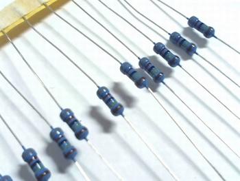 Resistor metal 0,25 Watt 3M9 Ohm 1%