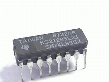 74LS85 4-bit Magnitude Comparator