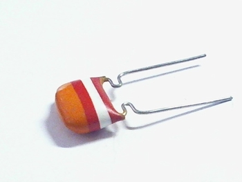 MKT capacitor 3,3 nF 250V