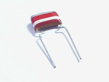 MKT capacitor 8,2 nF 250V