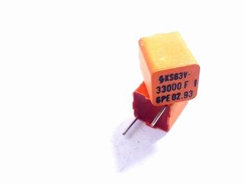 Styroflex condensator 33nF radiaal