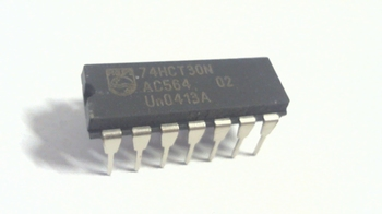 74HCT30 8-input NAND gate DIP14