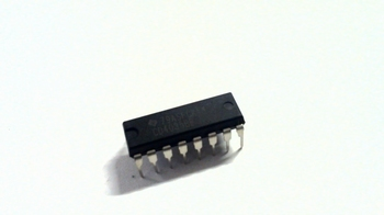 CD4035 parallel shift register