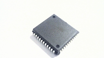 AT89S51-24JU 8-bits Microcontrollers  4kB Flash 128B RAM