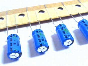 10 x electrolytic capacitors 100uf - 25 volts