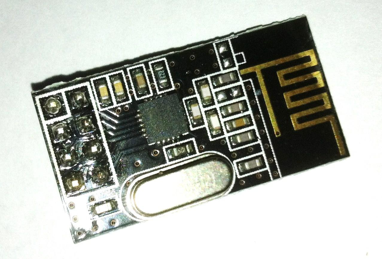 2,4 ghz transciever module voorkant
